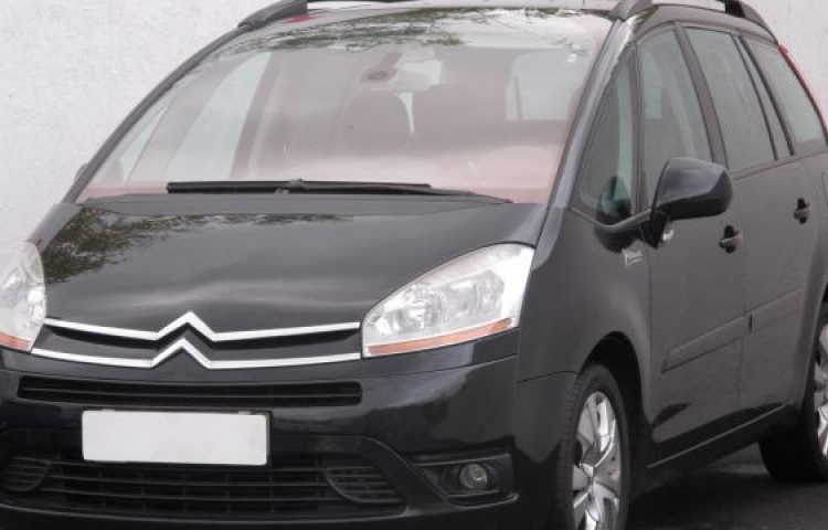 Hire a Citroen C4 Grand Picasso in Valencia