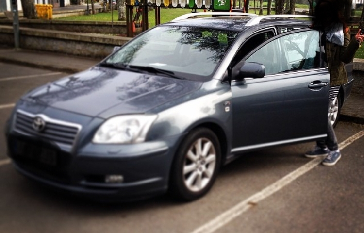 Hire a Toyota Avensis in Barcelona