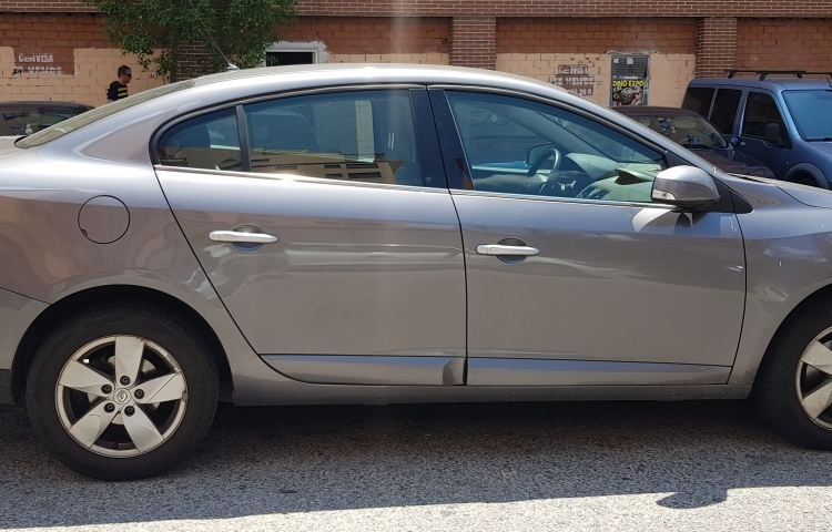 Hire a Renault Fluence in Madrid