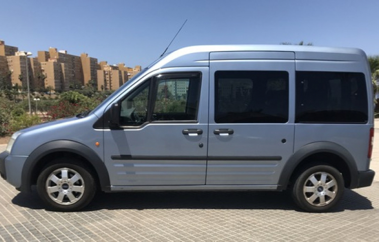 Hire a Ford Tourneo Connect in Valencia