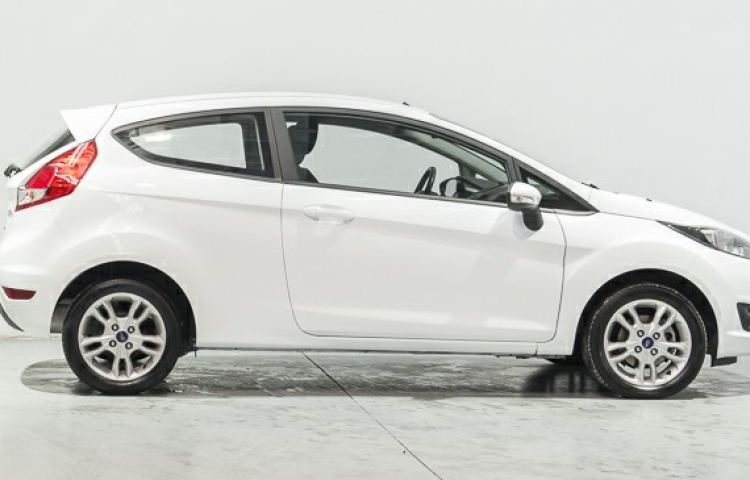 Hire a Ford Fiesta in Madrid