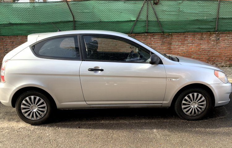Hire a Hyundai Accent in Madrid