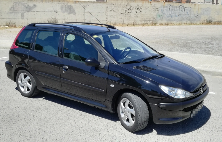 Hire a Peugeot 206 Sw in Barcelona