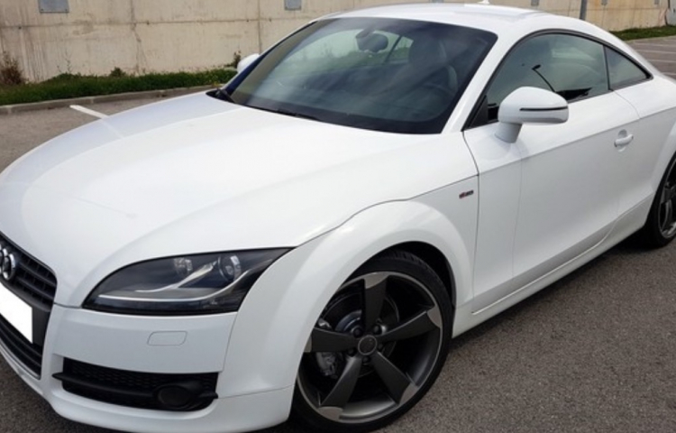 Hire a Audi TT Coupe in Mataró