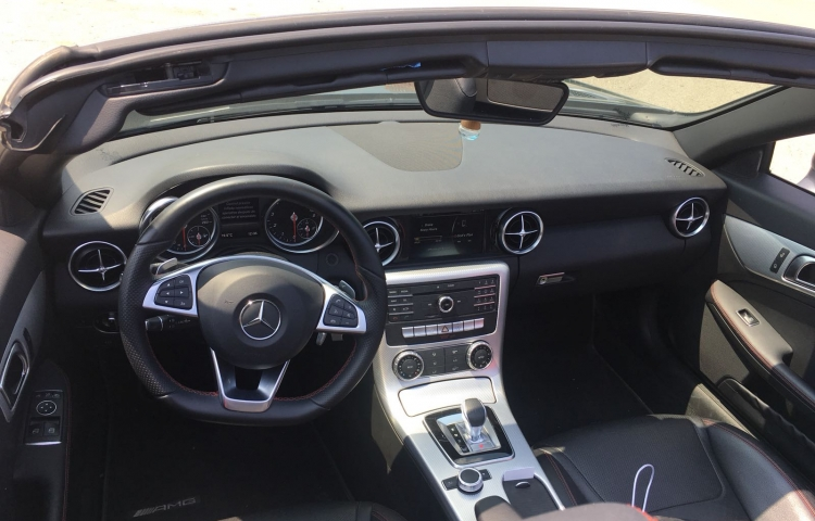 Hire a Mercedes SLK in Barcelona