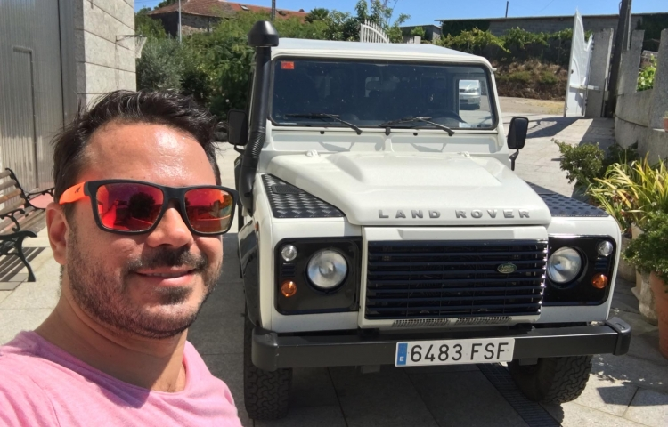 Hire a Land Rover Defender in Barcelona