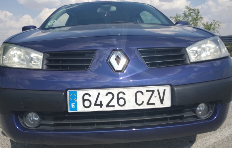 Hire a Renault Megane in Madrid