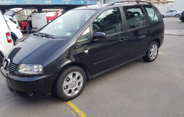 Hire a Seat Alhambra in Barcelona