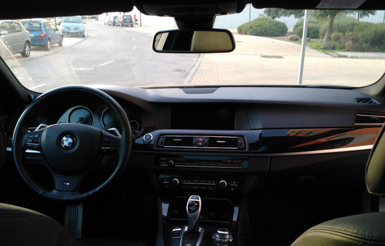 Hire a BMW Serie 5 Touring in Getafe
