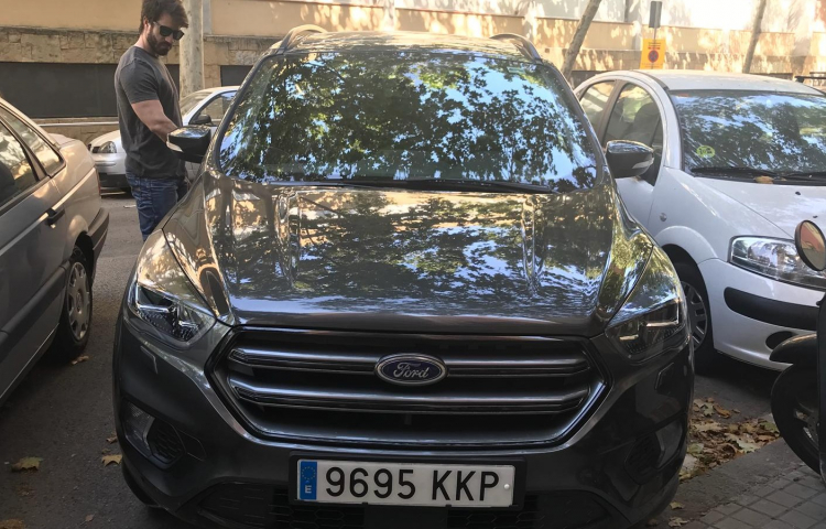 Hire a Ford Kuga in Barcelona