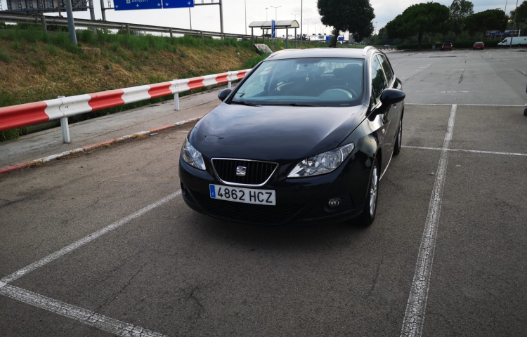 Hire a Seat Ibiza ST in Barcelona