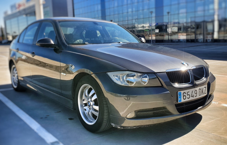 Alquilar un BMW Serie 3 Berlina en Madrid