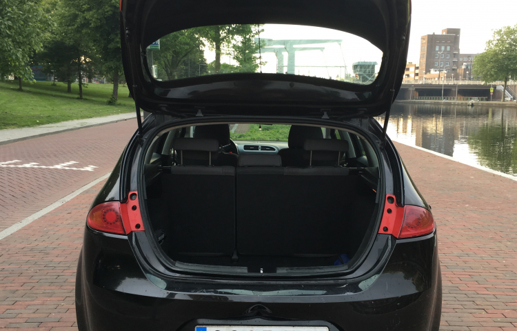 Hire a Seat Leon in Madrid