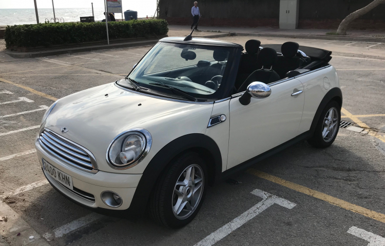 Hire a Mini Cooper Cabrio in Gavà