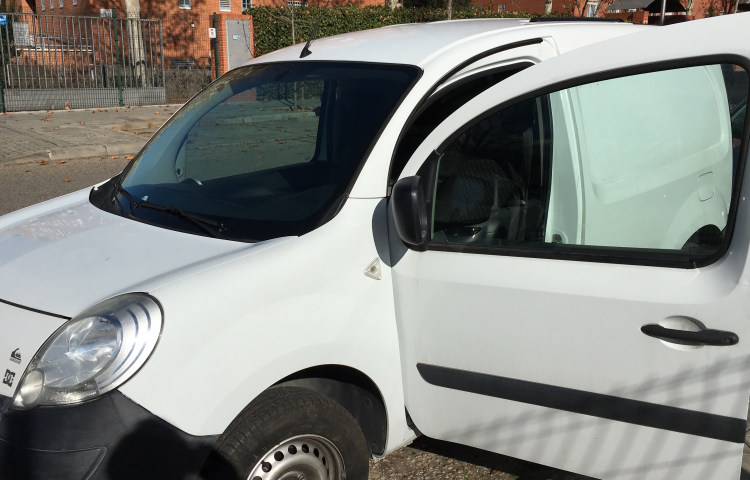 Hire a Renault Kangoo in Madrid