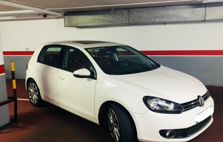Hire a Volkswagen Golf in Barcelona