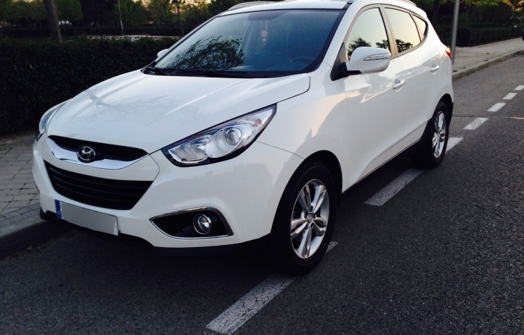 Hire a Hyundai ix35 in Madrid