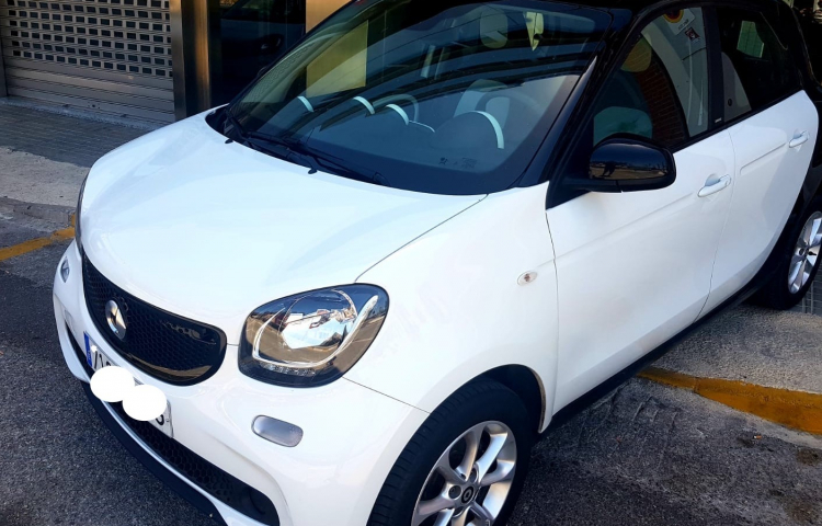 Hire a Smart ForFour in Valencia