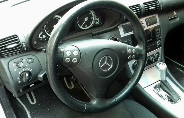 Hire a Mercedes Clase C in Valencia