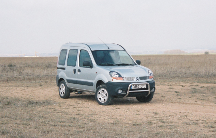Hire a Renault Kangoo in Barcelona