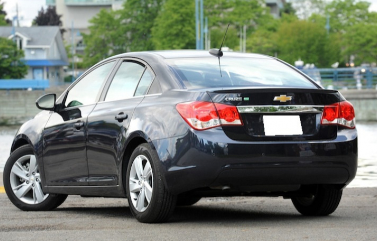 Hire a Chevrolet Cruze in Valencia