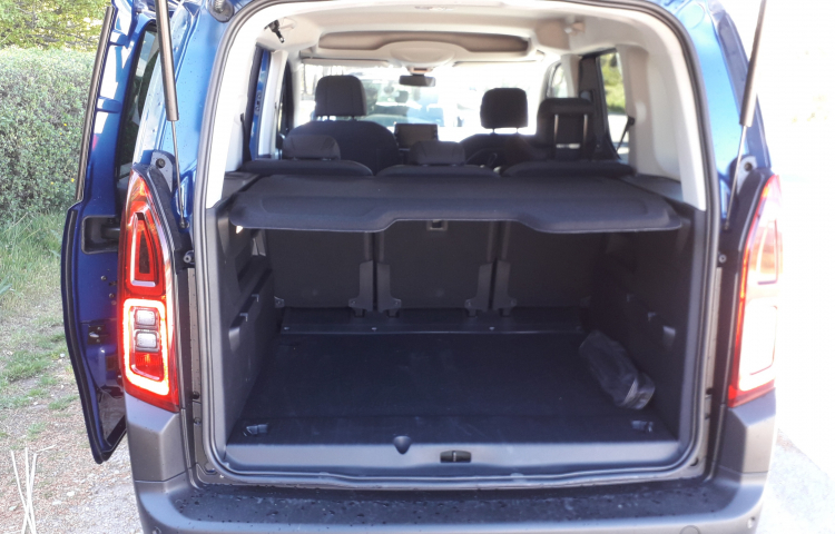 Hire a Citroen Berlingo in Sabadell