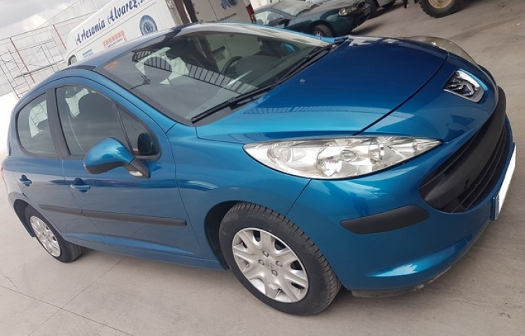 Hire a Peugeot 207 in Maó