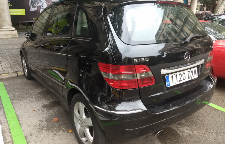 Hire a Mercedes Clase B in Barcelona