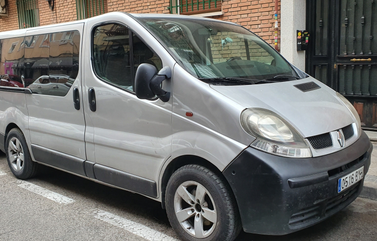Hire a Renault Traffic in Madrid