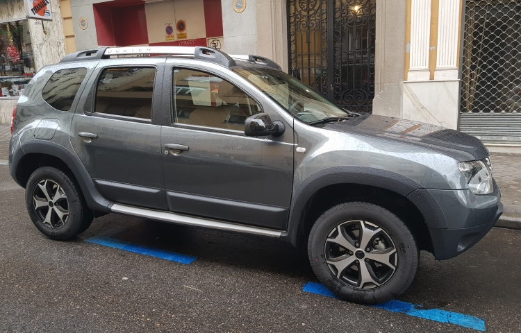 Hire a Dacia Duster in Madrid