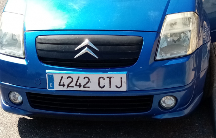 Hire a Citroen C2 VTR in Madrid
