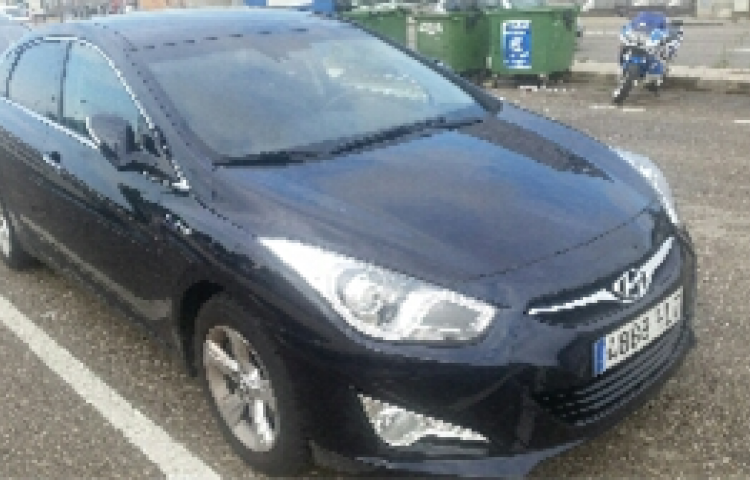Hire a Hyundai i40 in Marratxí