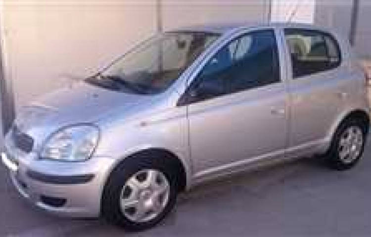 Hire a Toyota Yaris in Alzira