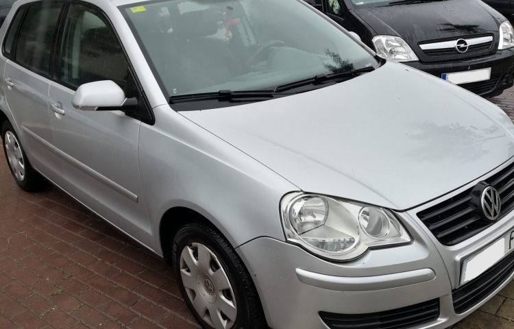Hire a Volkswagen Polo in Girona
