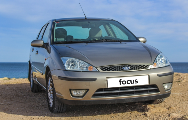 Hire a Ford Focus in Elx
