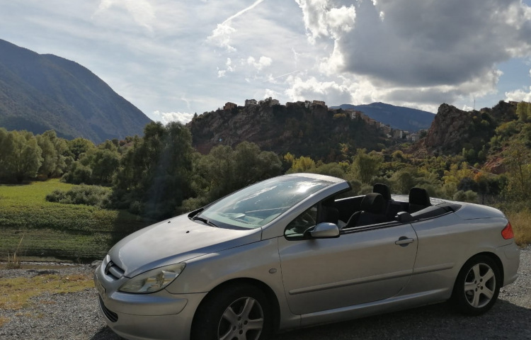 Hire a Peugeot 307 in Valencia
