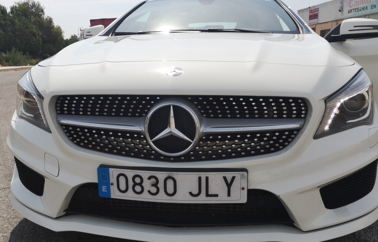 Hire a Mercedes Clase CL in Valencia
