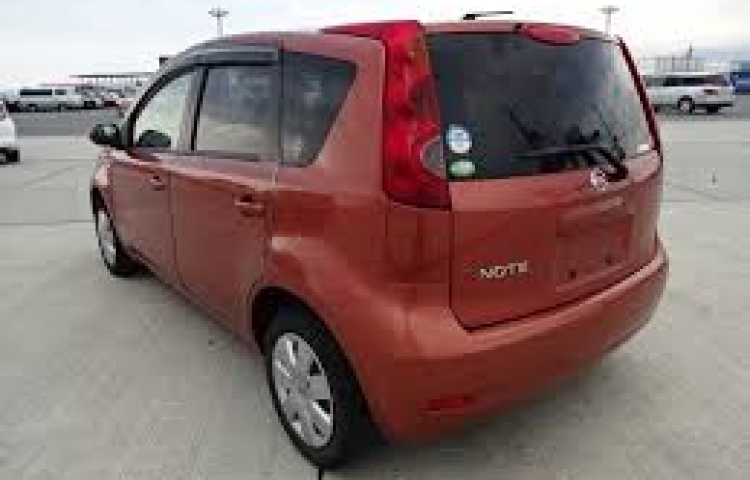 Hire a Nissan Note in Madrid