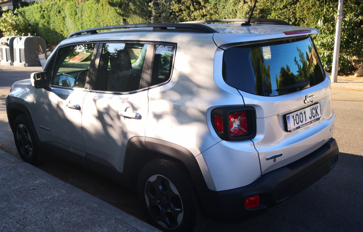 Louer Jeep Renegade à Madrid