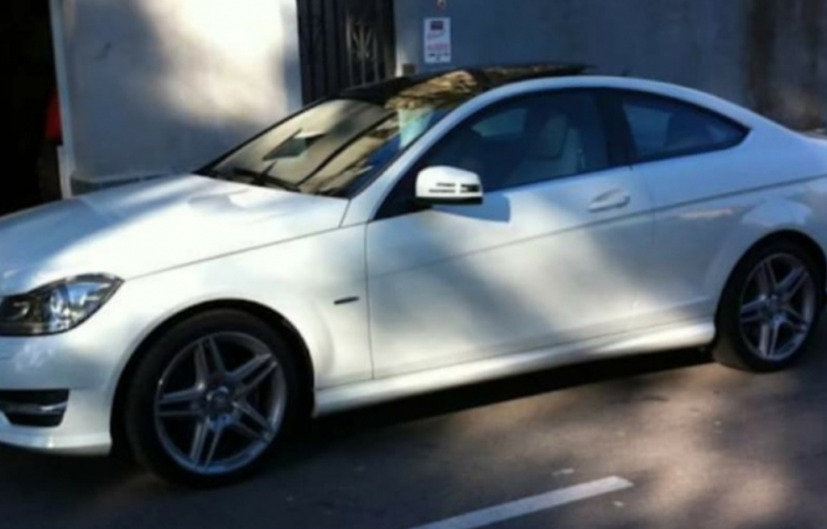 Hire a Mercedes Clase C in Barcelona