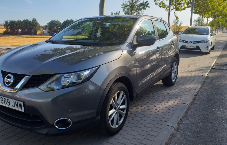 Hire a Nissan Qashqai in Madrid