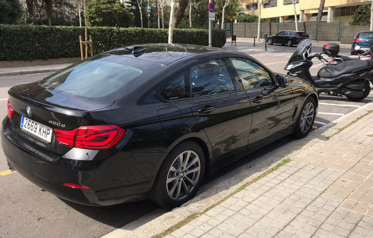 Hire a BMW Serie 4 in Barcelona
