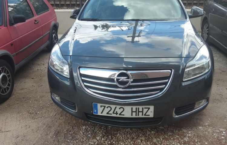 Hire a Opel Insignia in Madrid