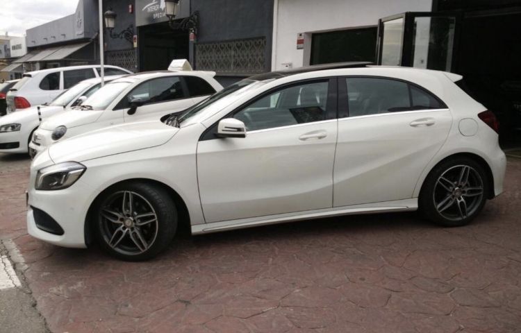 Hire a Mercedes Clase A in Málaga