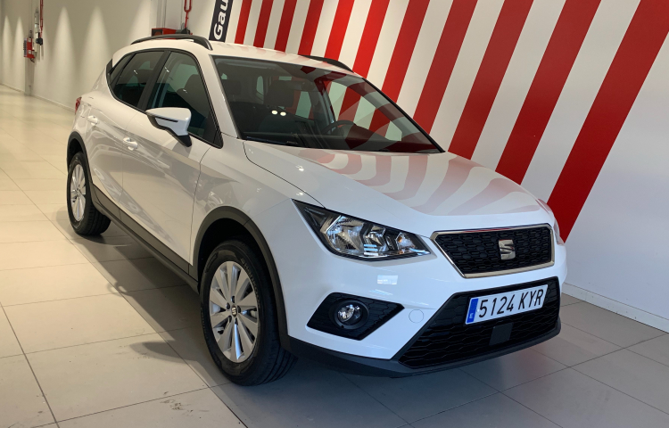 Hire a Seat Arona in Barcelona