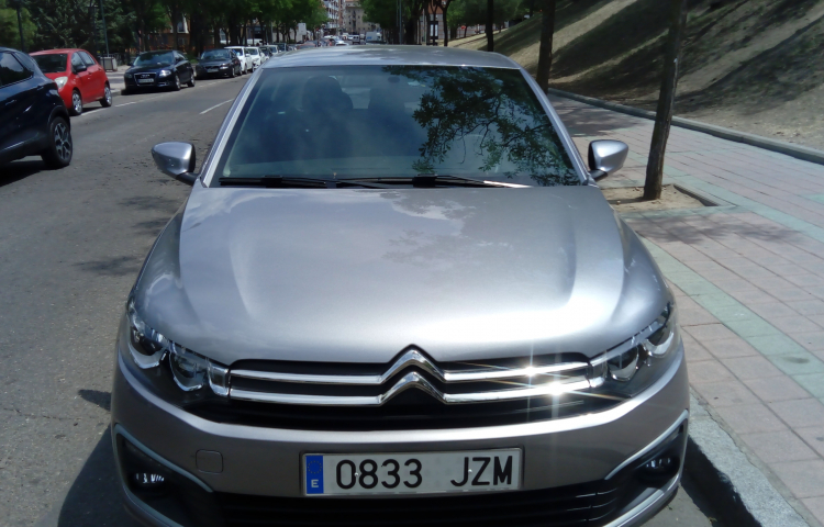 Hire a Citroen Celysee in Madrid