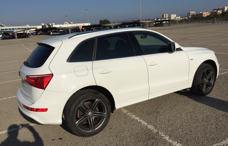 Hire a Audi Q5 in Quart de Poblet