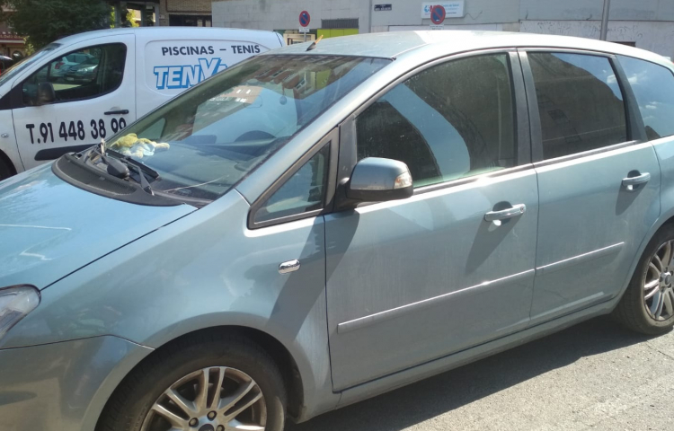 Hire a Ford C-Max in Madrid