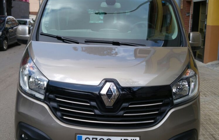 Hire a Renault Trafic in Sabadell