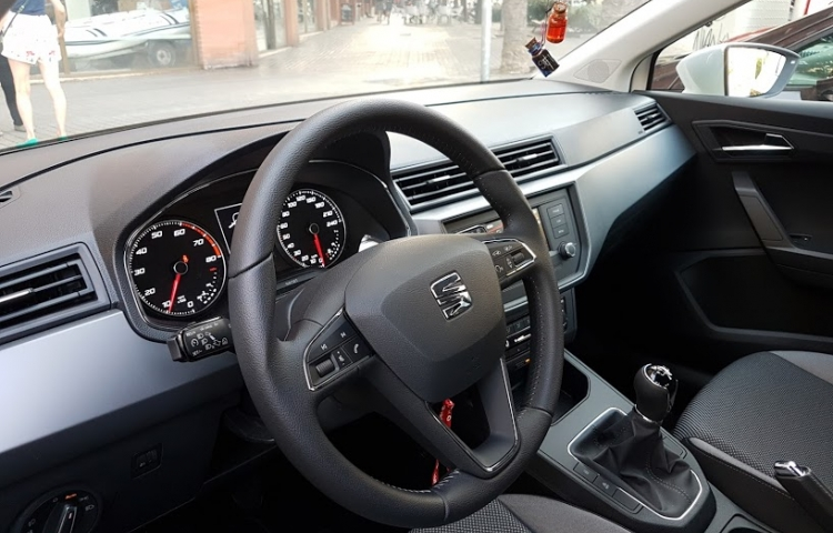 Alquilar un Seat Ibiza ST 1.0 ECOTSI STYLE BISMOUTH en Barcelona